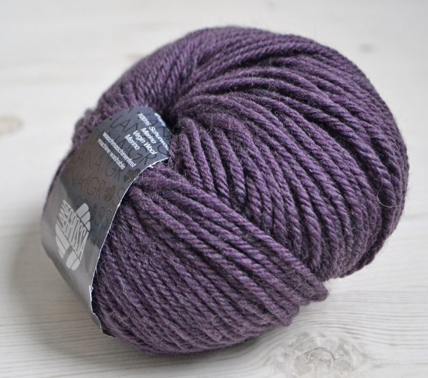 Knitting yarn Destash yarn purple yarn Aran weight Y157