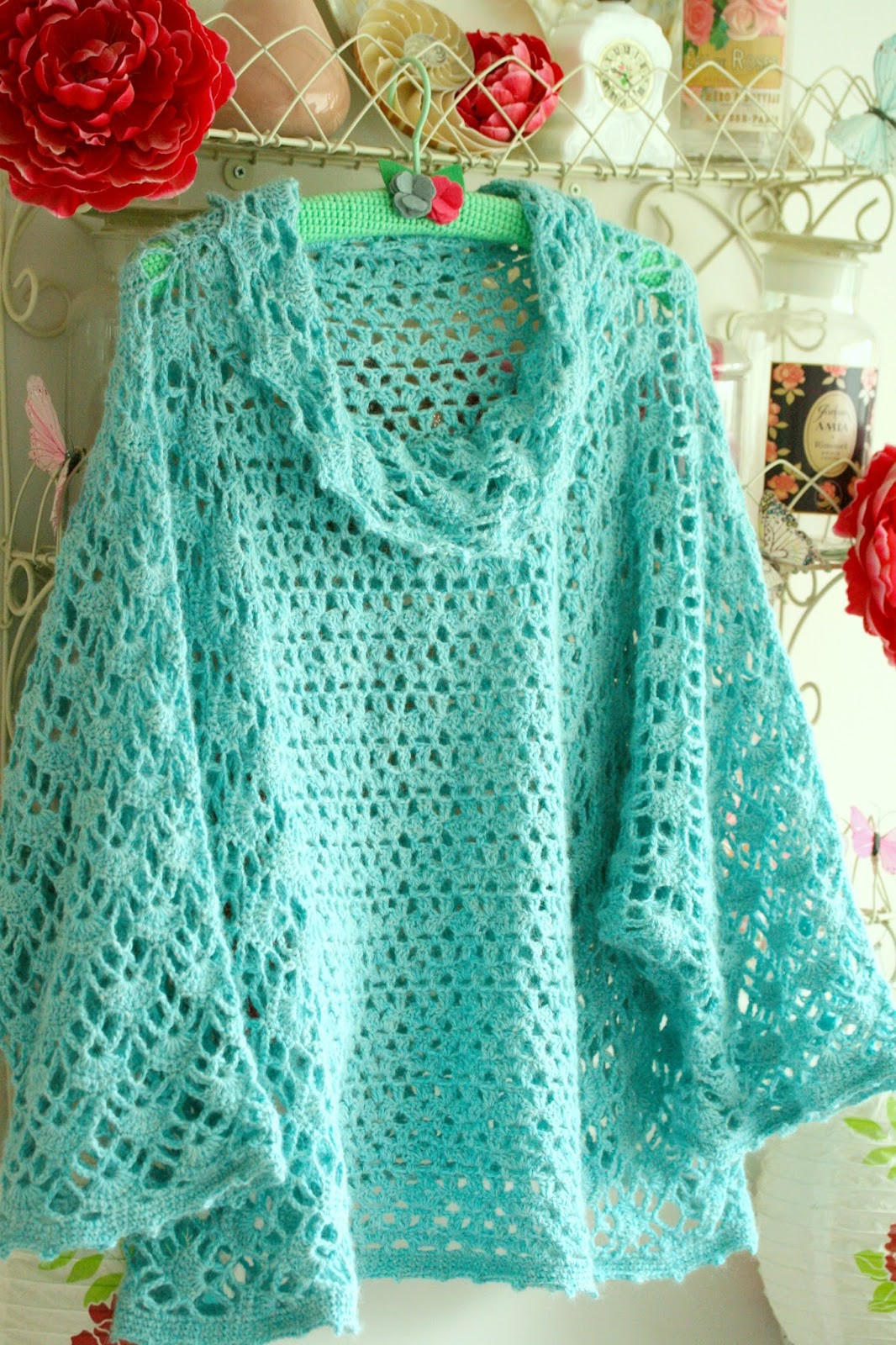Luxury Little Treasures 5 Free and Fabulous Crochet Poncho Patterns Ponco Crochet Of Great 49 Images Ponco Crochet