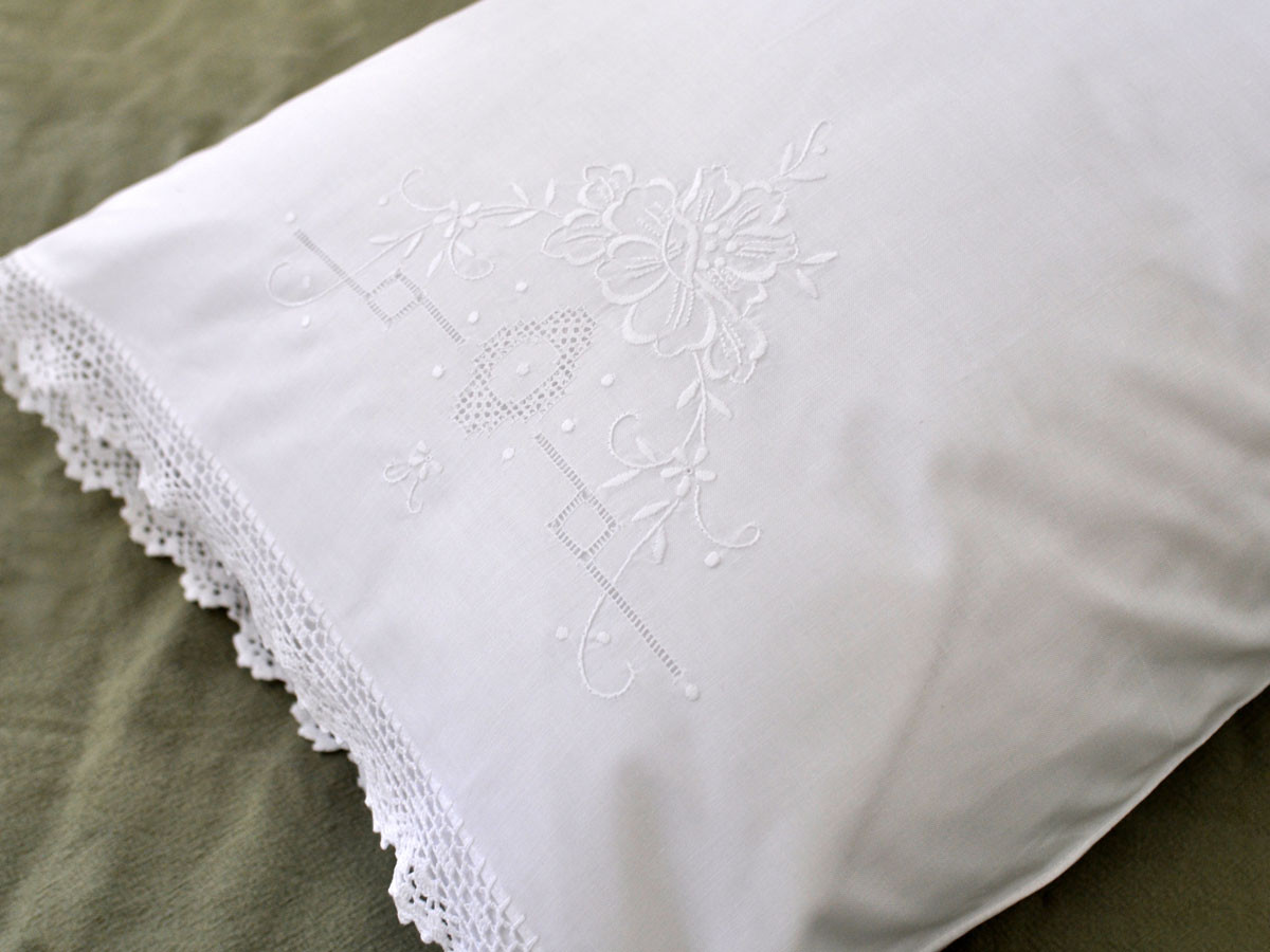 Luxury Pair Of Linen Pillowcases with Flowers and Crochet Lace Edges Crochet Pillowcase Edging Of Attractive 45 Photos Crochet Pillowcase Edging