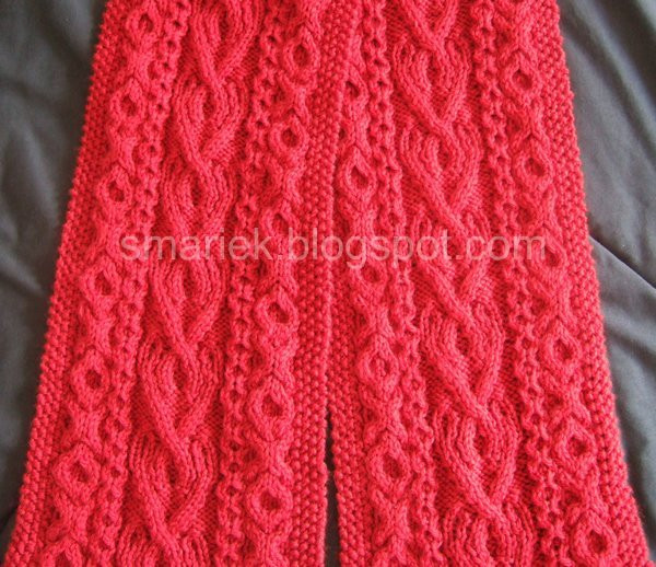 St Albans Valentine Cable Scarf