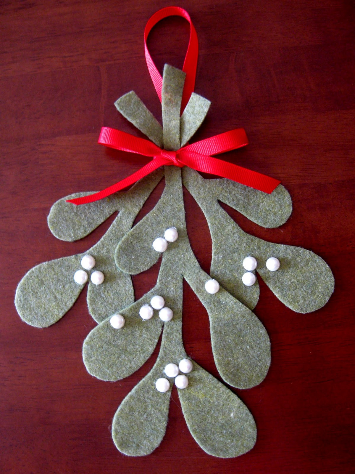 Make Your Own Christmas ornaments Fresh Stayathomeartist Make Your Own Mistletoe Tutorial Of Innovative 44 Pics Make Your Own Christmas ornaments