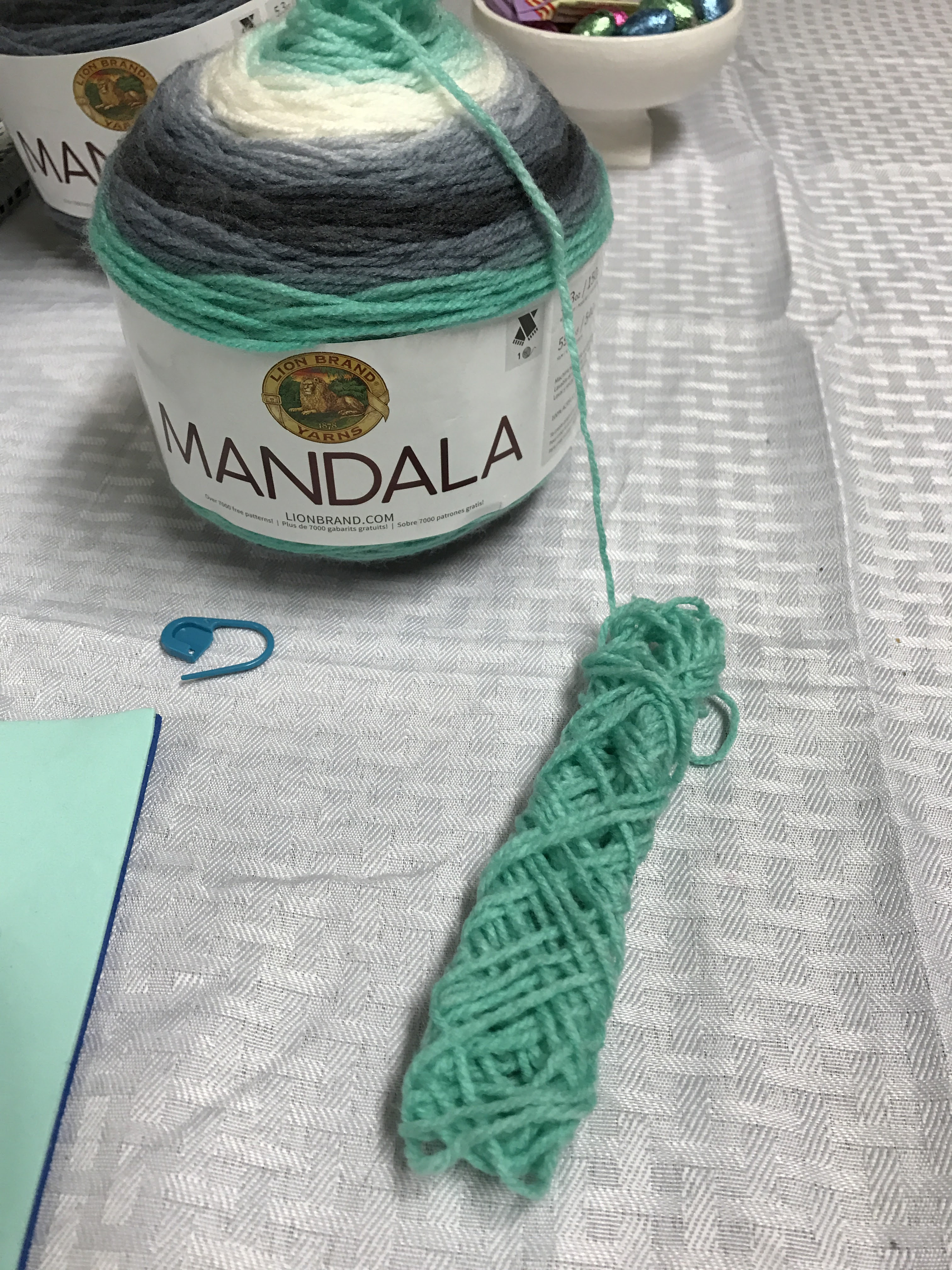 Review MANDALA by Lion Brand – WulfiesEssentials