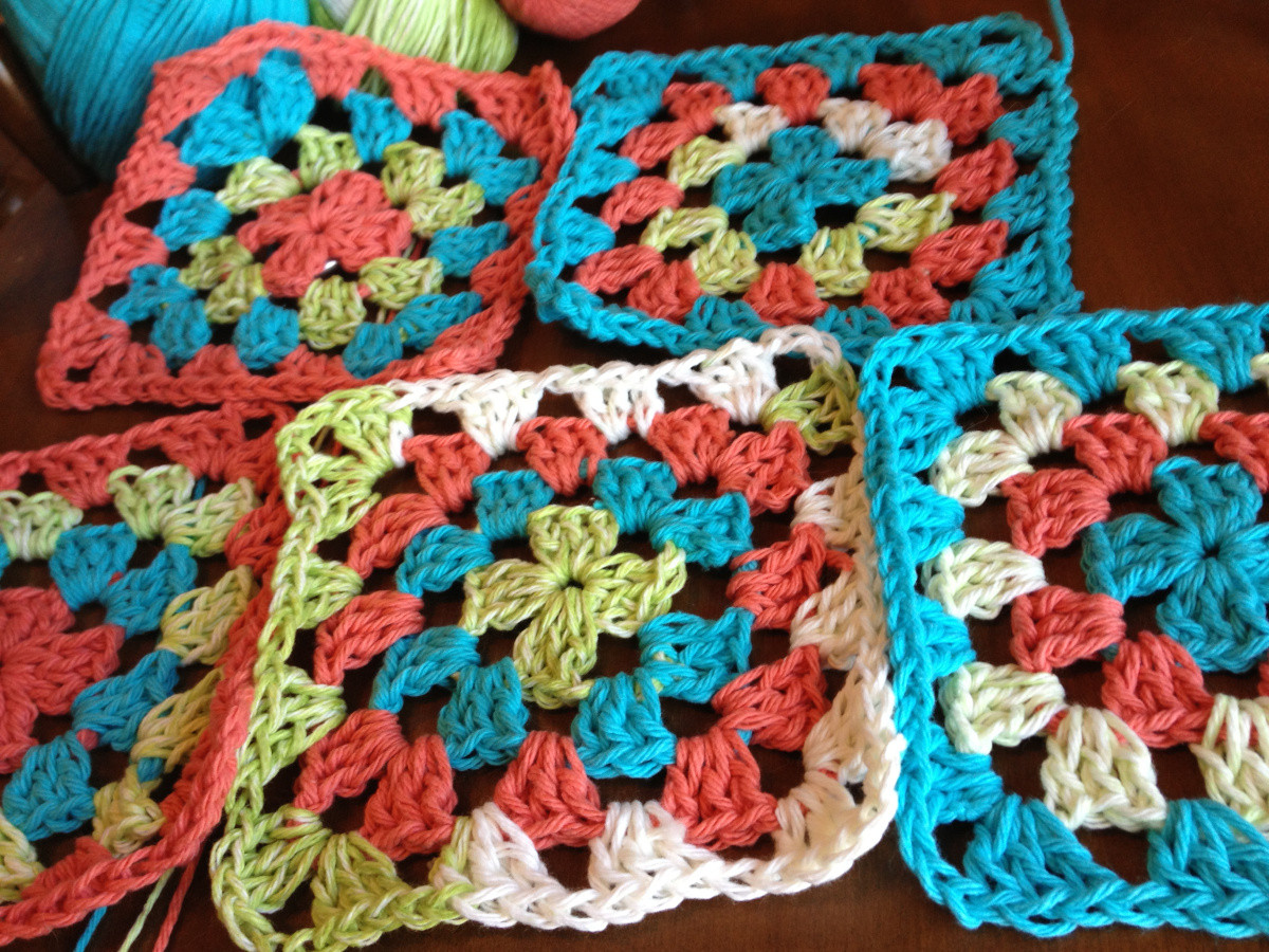 New 27 Beginner Knitting and Crochet Tutorials Granny Square Tutorial Of Charming 40 Ideas Granny Square Tutorial