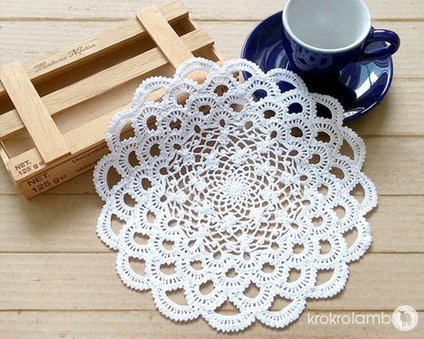 pretty and easy crochet doily for beginners