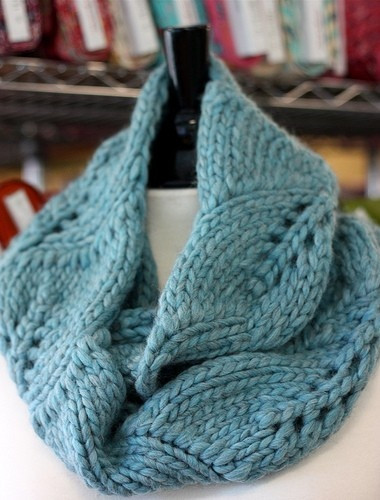 Big leaves lovely cowl free pattern