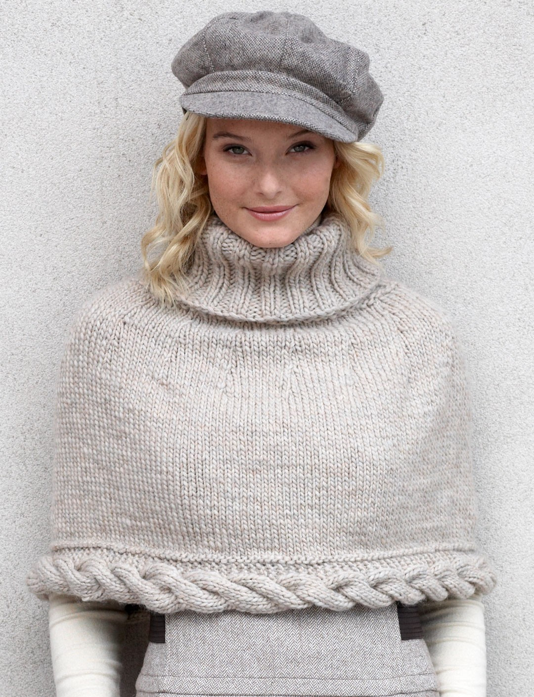 Cable Capelet in Patons Classic Wool Roving