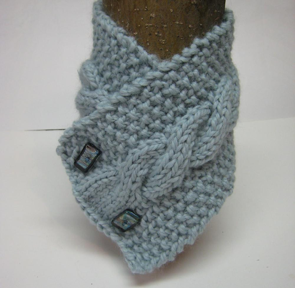 Cabled neck warmer Knitting pattern by Homemadeoriginals