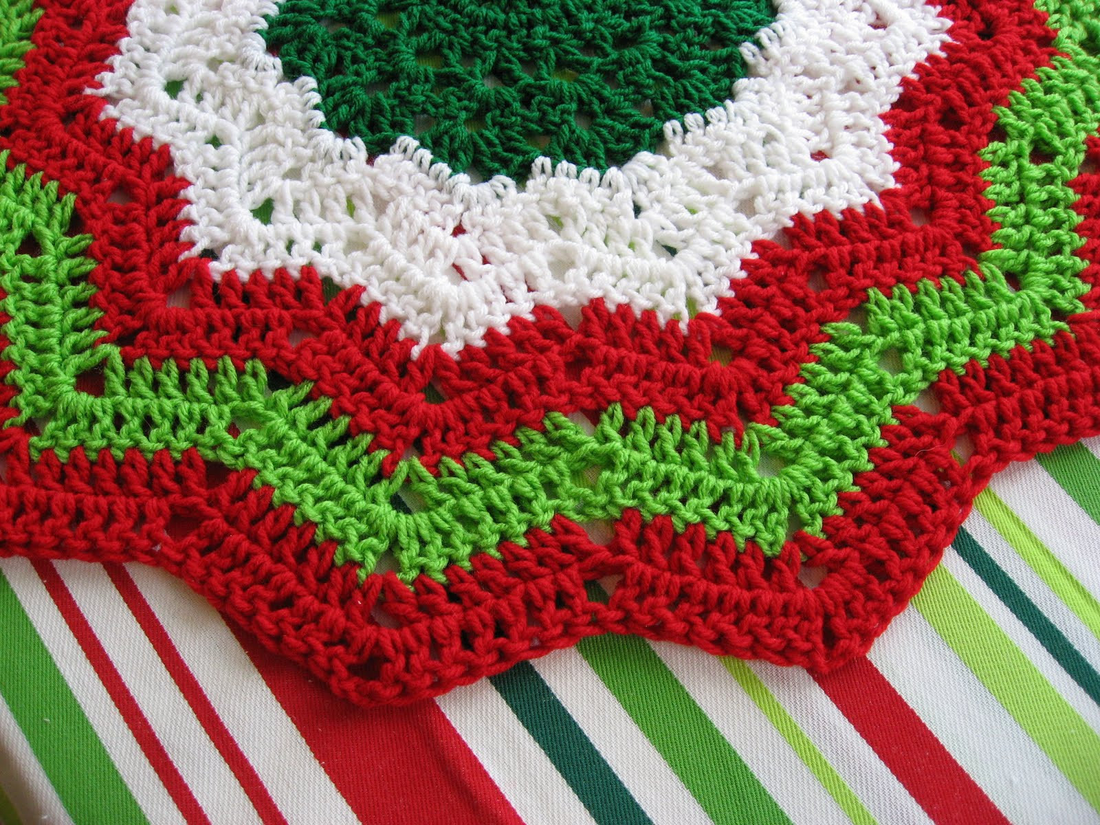 New Crocheted Christmas Tree Skirt Patterns – Crochet Club Free Crochet Christmas Tree ornament Patterns Of Awesome 44 Ideas Free Crochet Christmas Tree ornament Patterns