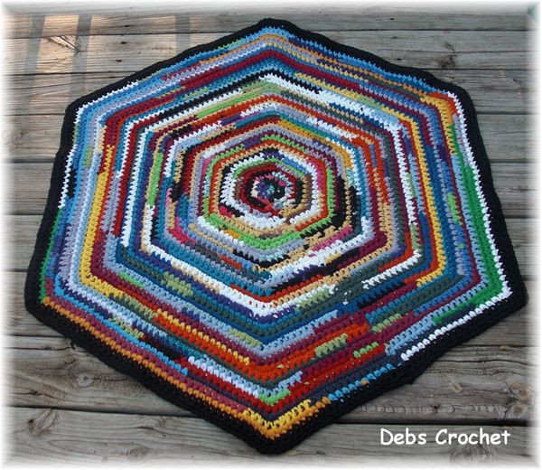 New E Of the Rag Rugs I Ve Made Crochet Rug with Fabric Strips Of Lovely Goat Feathers Crochet Rug and Purse Crochet Rug with Fabric Strips