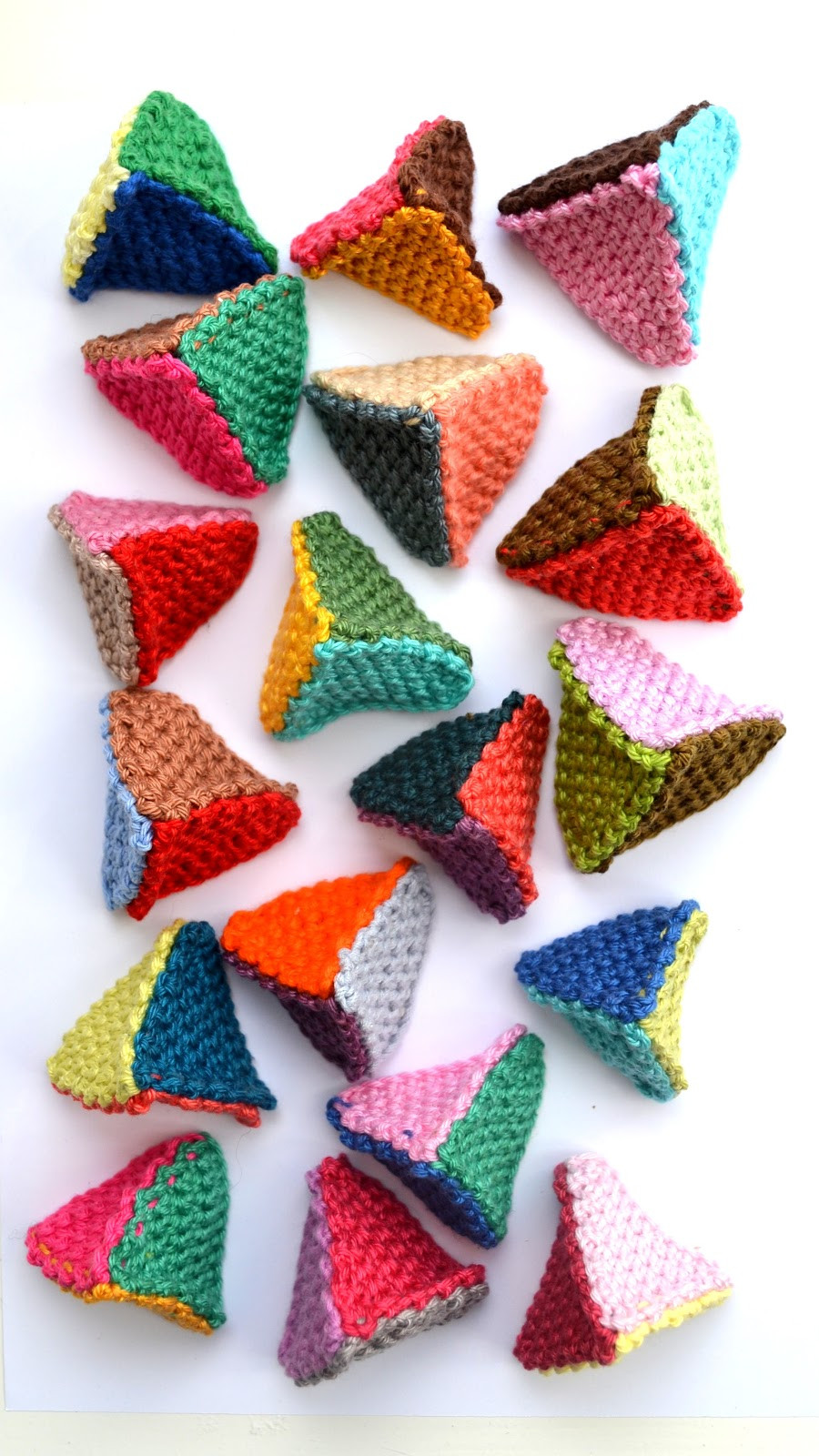 New Ingthings Diy Crochet Pyramid Triangle Mountain Crochet Triangles Of Charming 42 Images Crochet Triangles