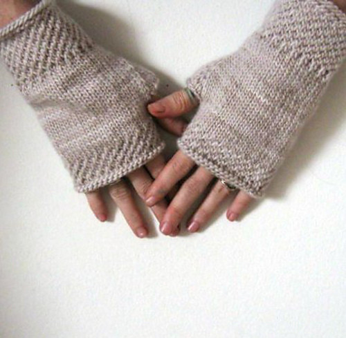 honey b wrist warmers knit 230