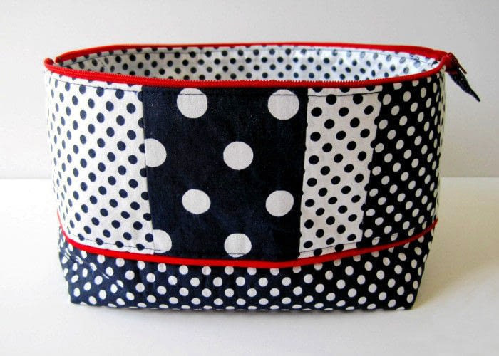 Makeup Bag · How To Make A Pouch Purse Wallet · Sewing