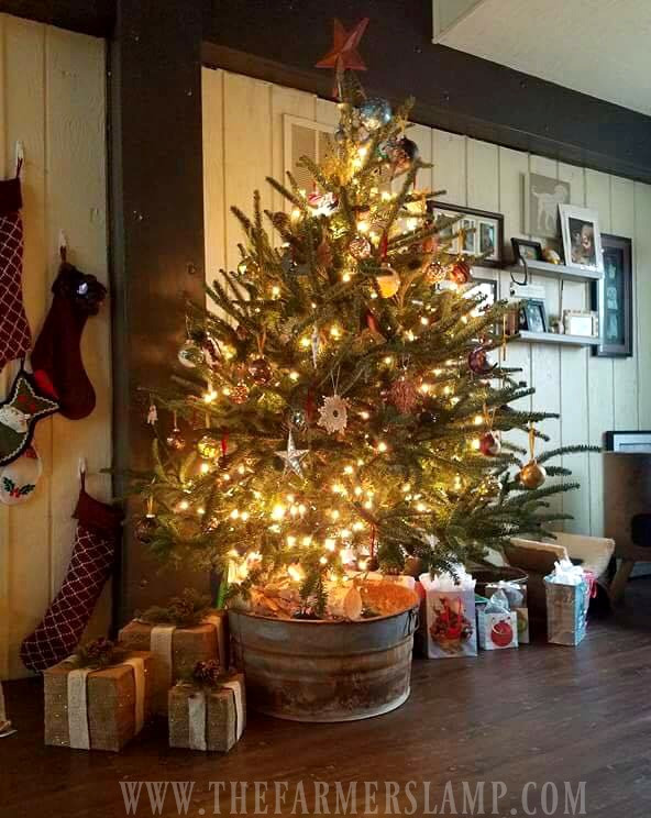Old Fashioned Christmas Tree Best Of 7 Decorating Ideas for An Old Fashioned Christmas Of Amazing 43 Photos Old Fashioned Christmas Tree