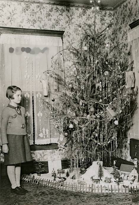 Old Fashioned Christmas Tree Inspirational Vintage Clothing Love Vintage Christmas Trees 1930 S Of Amazing 43 Photos Old Fashioned Christmas Tree