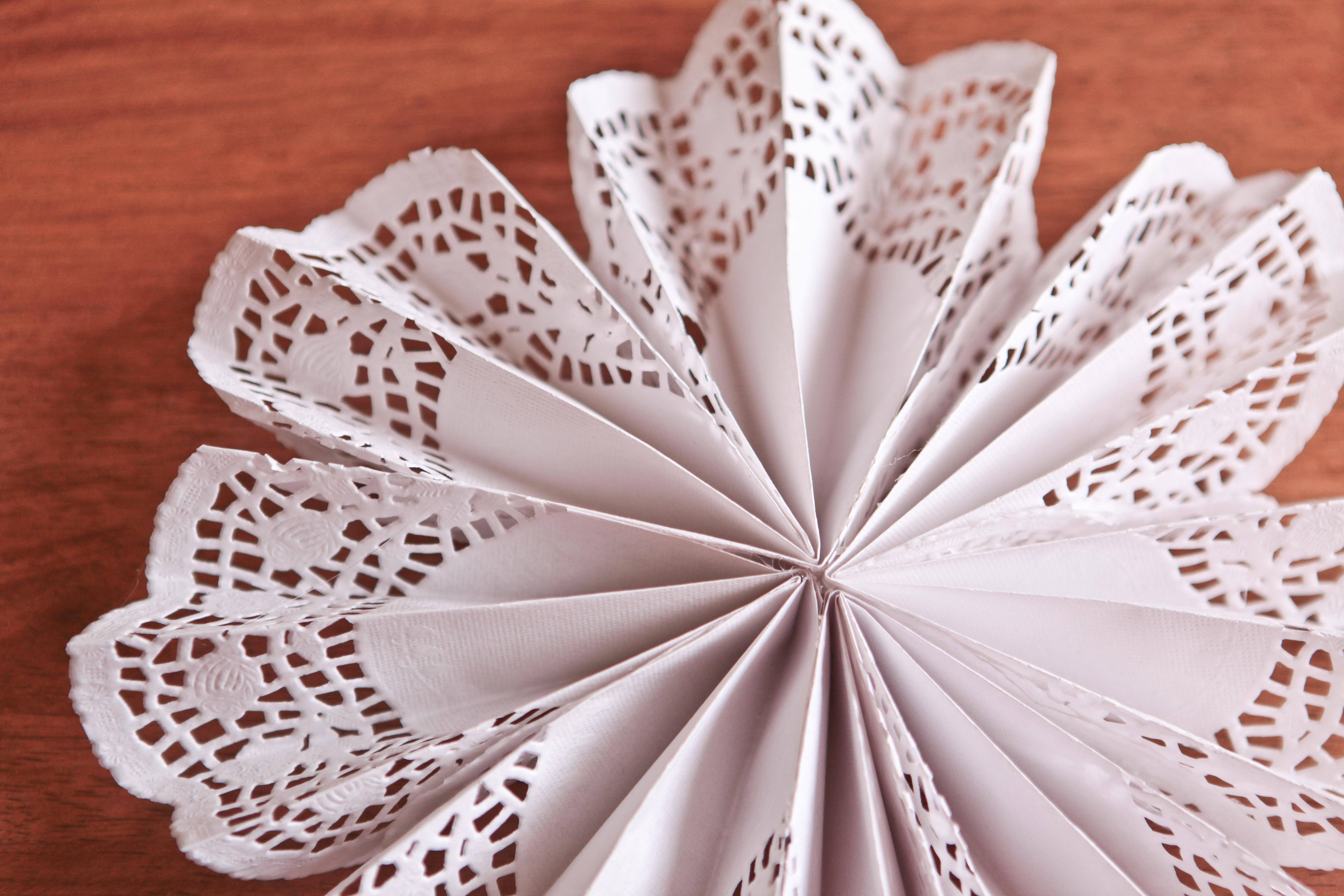 Paper Doily Crafts Awesome Diy Doily Pinwheels Of Beautiful 42 Images Paper Doily Crafts
