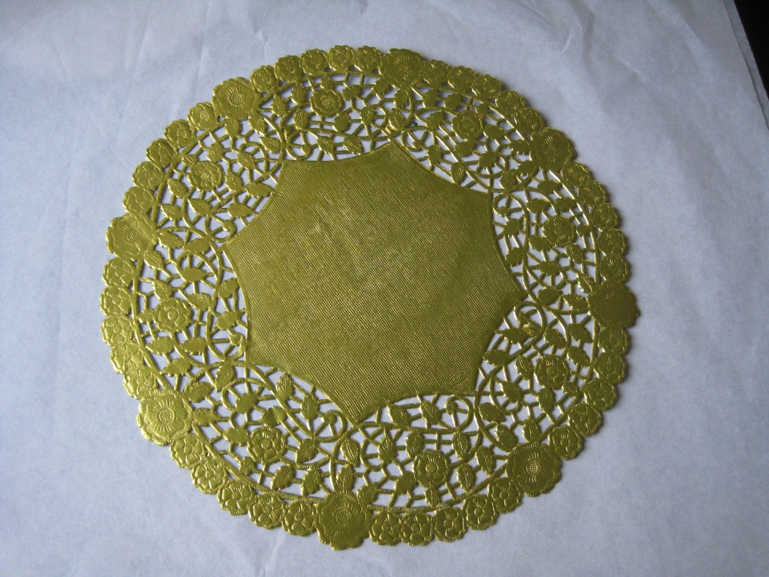 Paper Lace Doilies Lovely 10 Inch Round Gold Foil Paper Lace Doilies Craft Cards Of New 46 Models Paper Lace Doilies