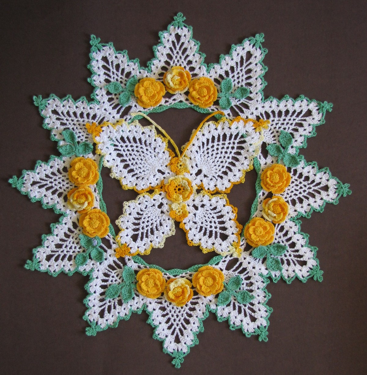 Pineapple Doily New Bellacrochet April 2011 Of Top 46 Photos Pineapple Doily