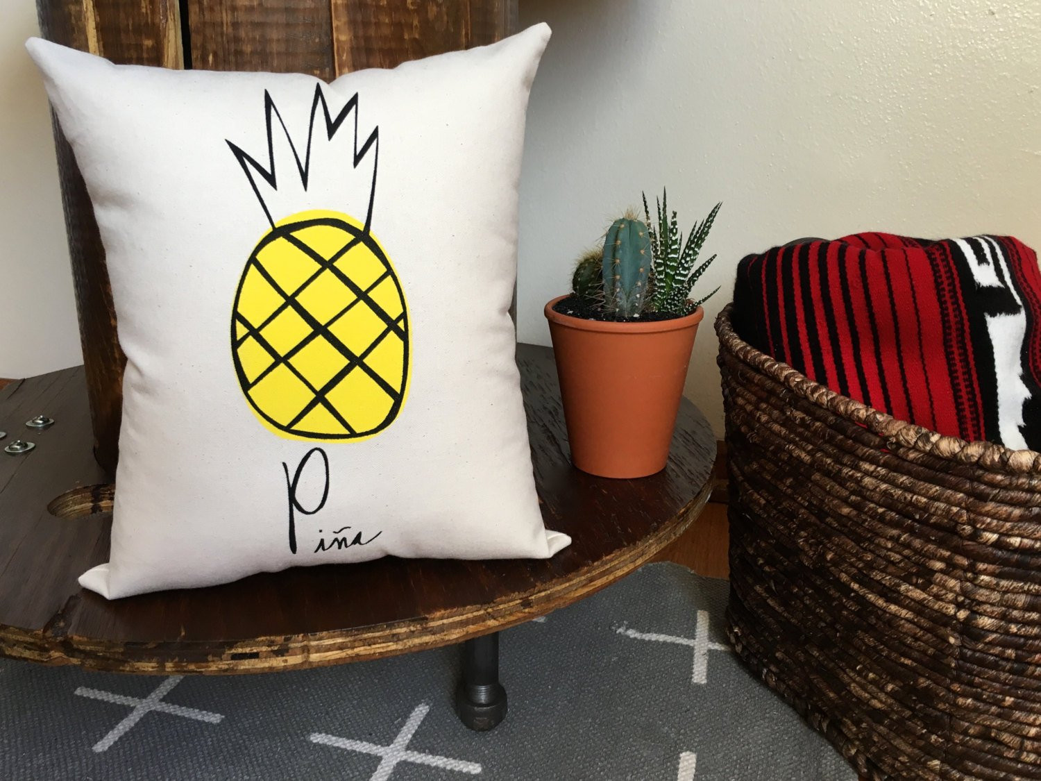 Pineapple pillow Pina Home decor Summer trends Spring