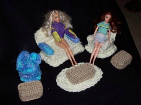 Quick and Easy Crocheted Barbie Doll Furniture