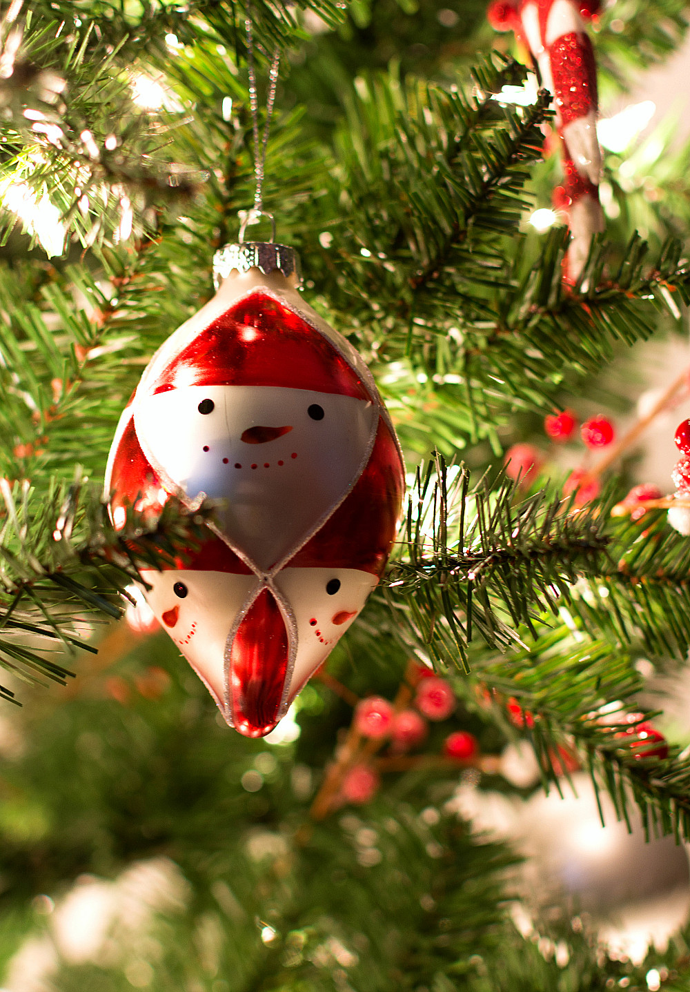 Red Christmas Tree ornaments Lovely Red & White Christmas Tree Decor Of Attractive 44 Pics Red Christmas Tree ornaments