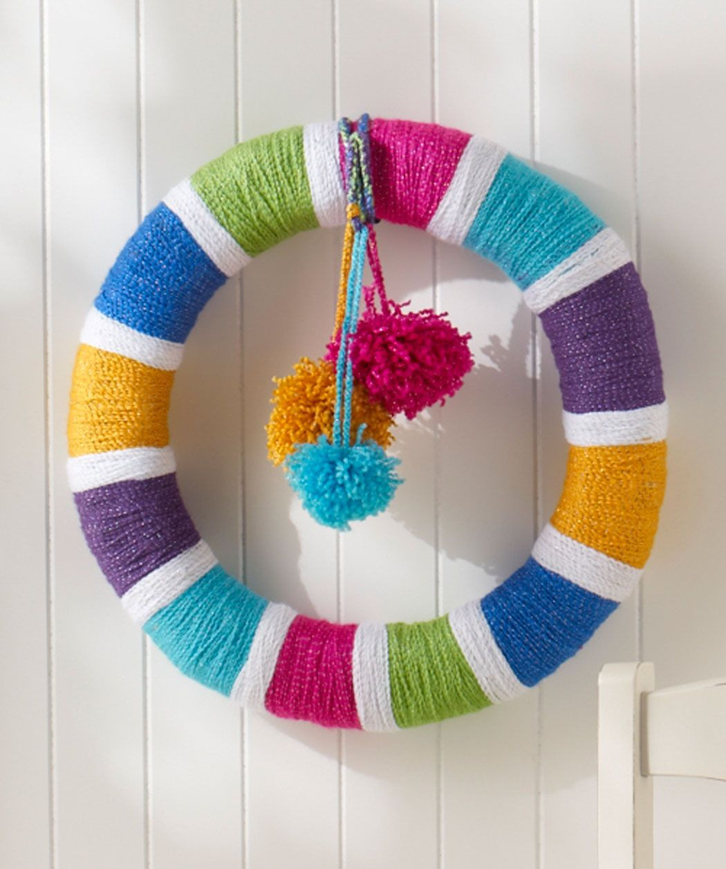 Red Heart Rainbow Yarn Awesome Rainbow Of Colors Wreath Free Pattern From Red Heart Yarns Of Luxury 41 Models Red Heart Rainbow Yarn