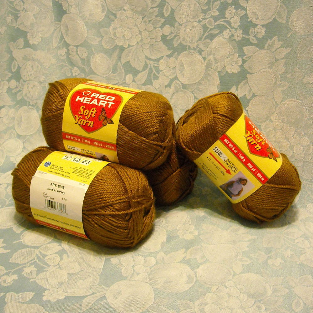 4 Skeins Red Heart Soft Yarn 20 Oz 1 25 Pounds 1024 Yds