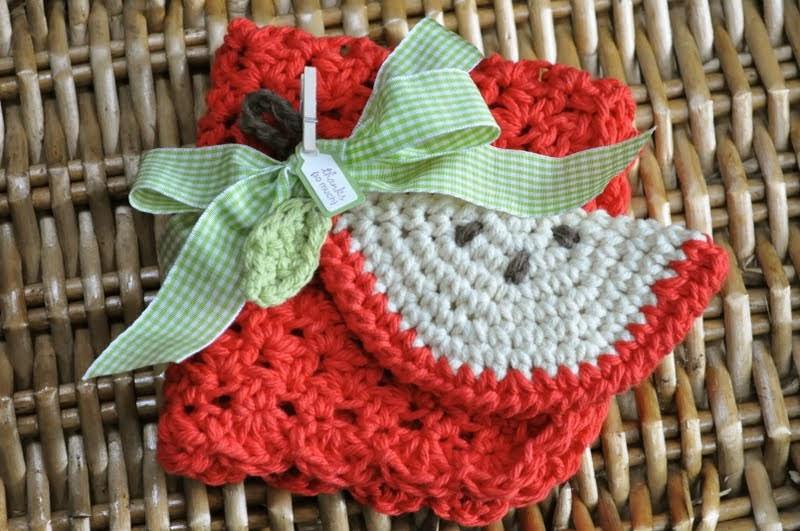 back to school crocheted apple scrubbie and dishcloth