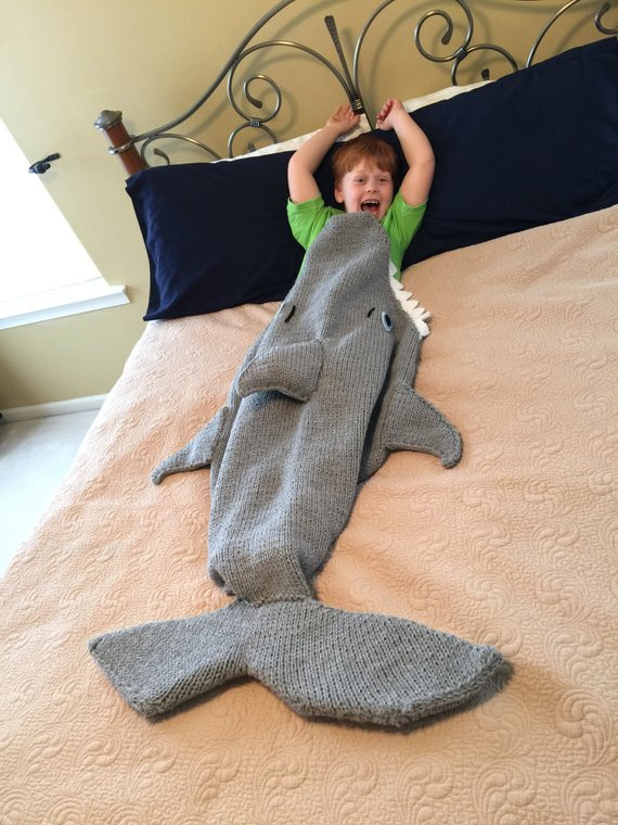 Shark Blanket Pattern Luxury Shark attack Lap Blanket Knitting Pattern Pdf 420 Of New 46 Pics Shark Blanket Pattern