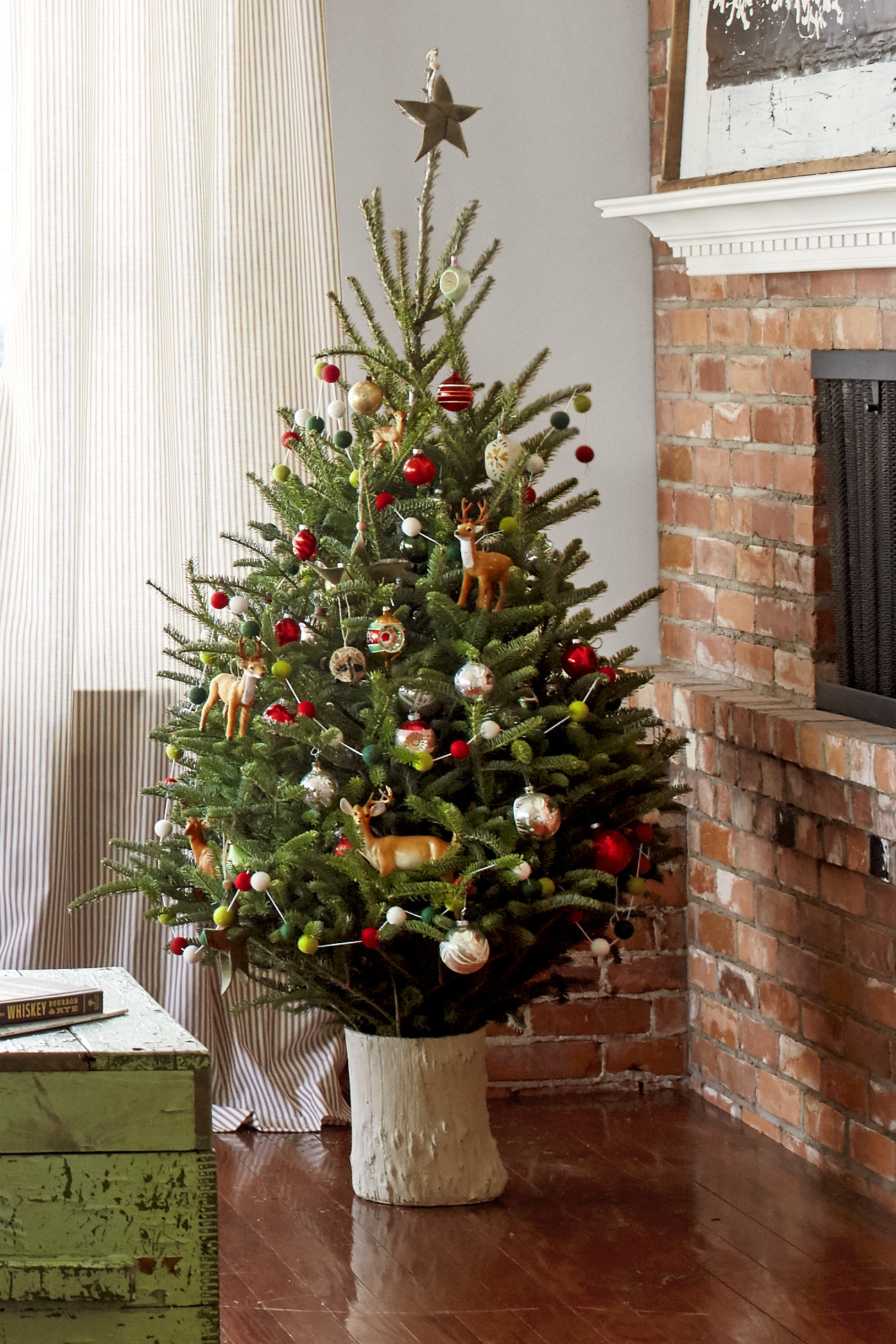 Small Decorated Christmas Trees Beautiful 18 Best Small Christmas Trees Ideas for Decorating Mini Of Charming 48 Models Small Decorated Christmas Trees