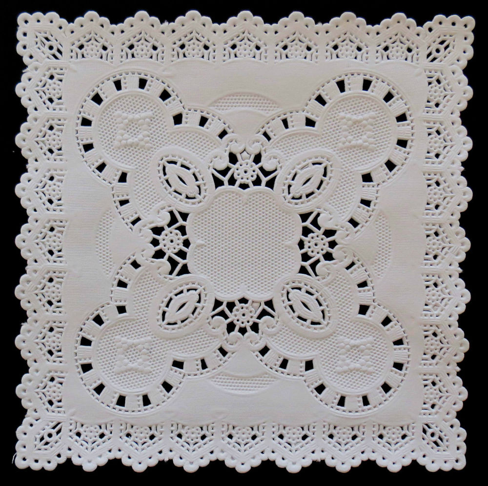 "SQUARE 5"" WHITE EMBOSSED DOILIES 12 5CM X 20"