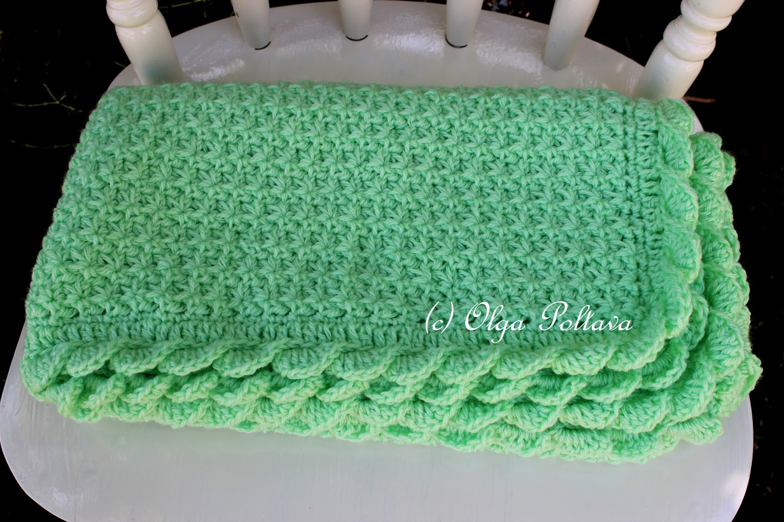 Lacy Crochet Star Stitch Baby Blanket with Scalloped Trim