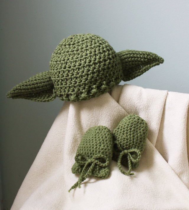 Star Wars Crochet Hat Best Of Star Wars themed Crocheted Hats Mittens and Lightsabers Of New 42 Images Star Wars Crochet Hat
