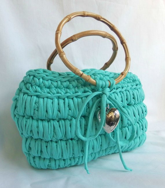 Crochet t shirt yarn bag in the color sea by