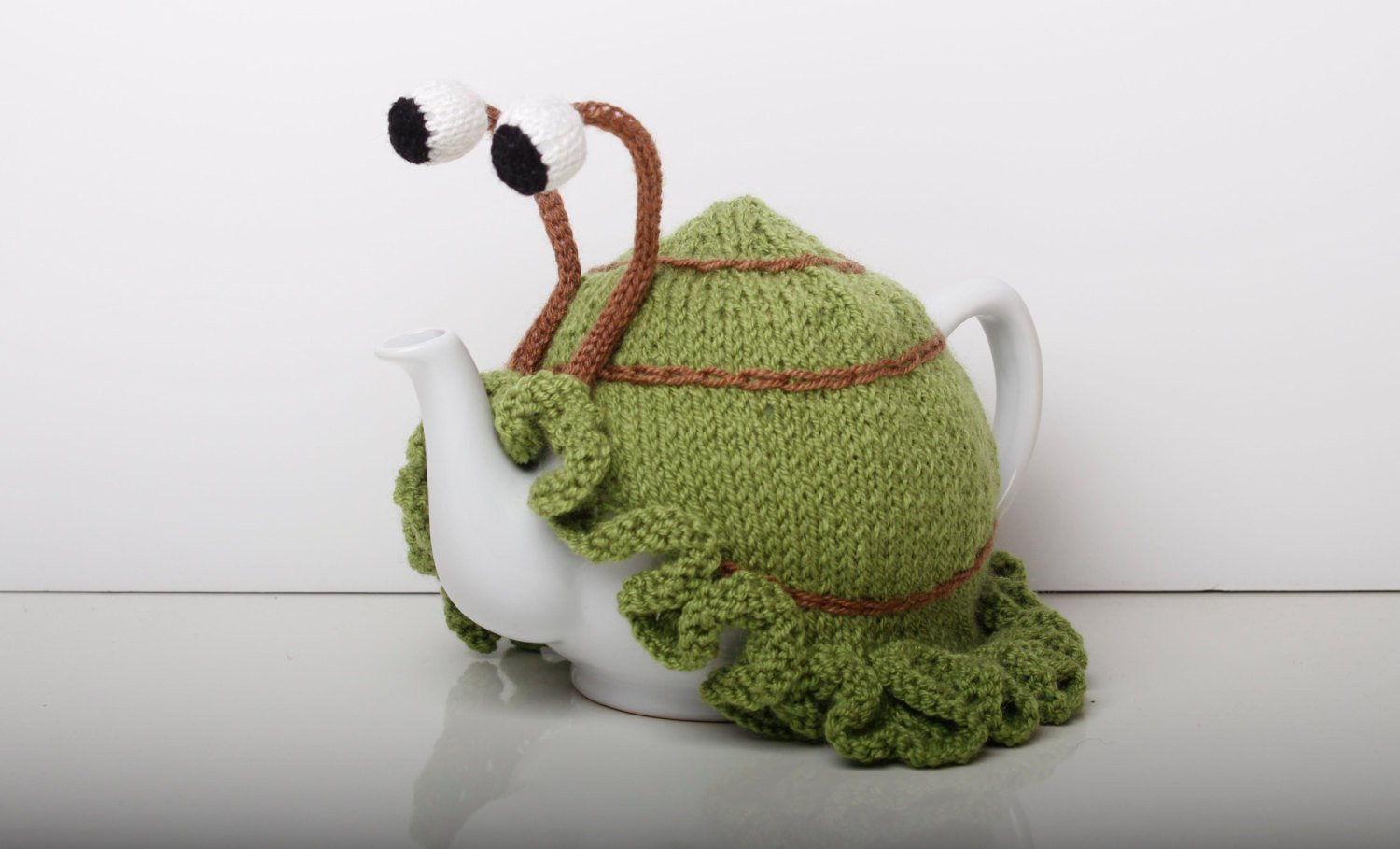 Tea Cosy Best Of Knitted Green Snail Tea Cosy with Frilly Bottom Washable Fits Of Beautiful 41 Pics Tea Cosy