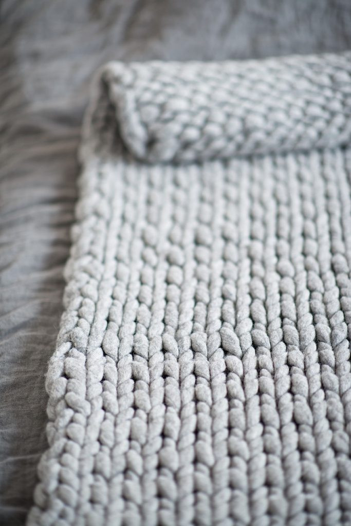 Thick Yarn Blanket Inspirational Easy Diy Chunky Knit Blankets to Cozy Up with Homelovr Of Perfect 41 Images Thick Yarn Blanket