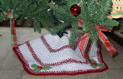 Tree Skirt Pattern Luxury 27 Free Crochet Christmas Tree Skirt Patterns Of Tree Skirt Pattern Elegant Christmas Goose Tree Skirt & Card Holder