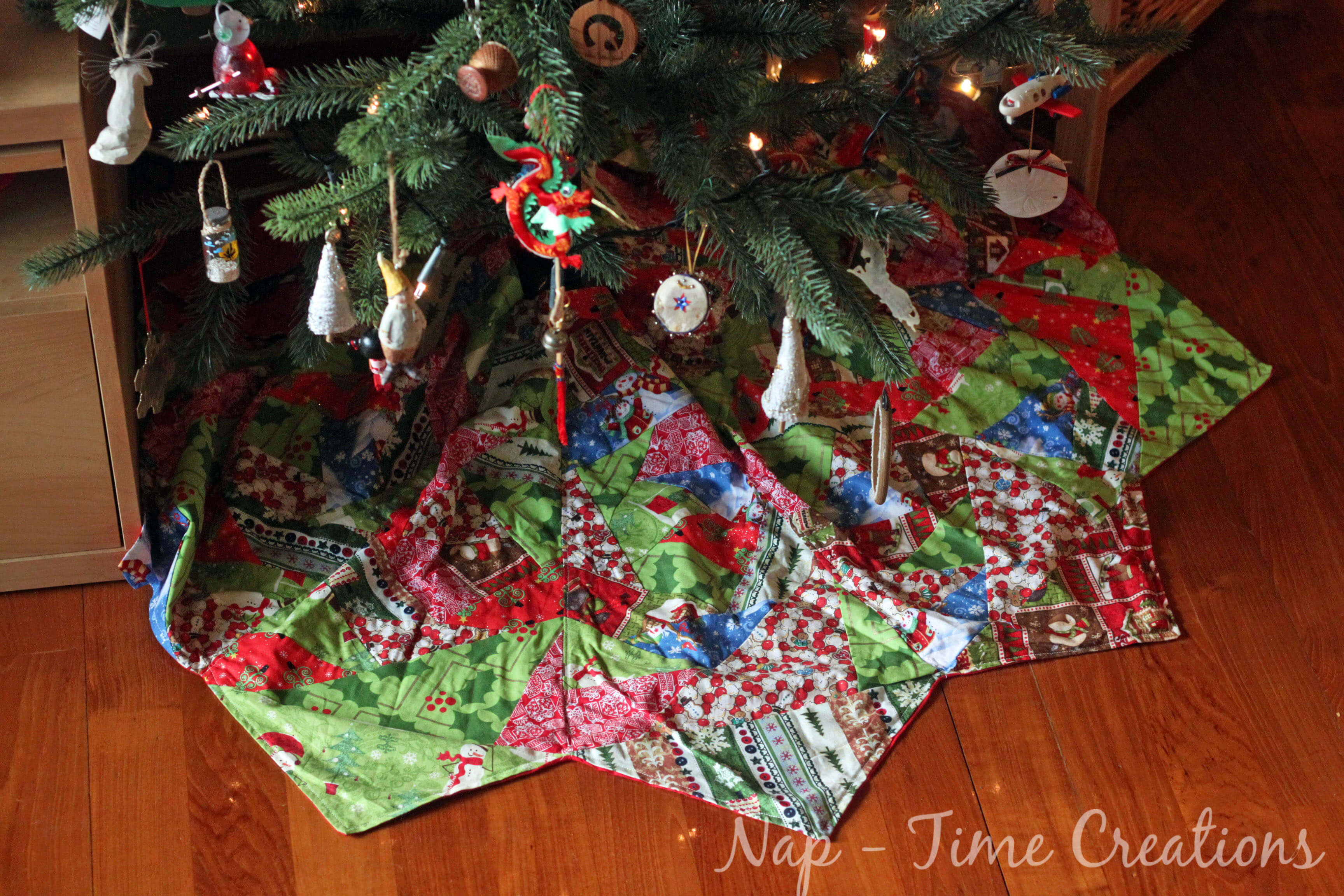 Tree Skirt Pattern New Paper Piecing Christmas Tree Skirt Life Sew Savory Of Tree Skirt Pattern Elegant Christmas Goose Tree Skirt & Card Holder