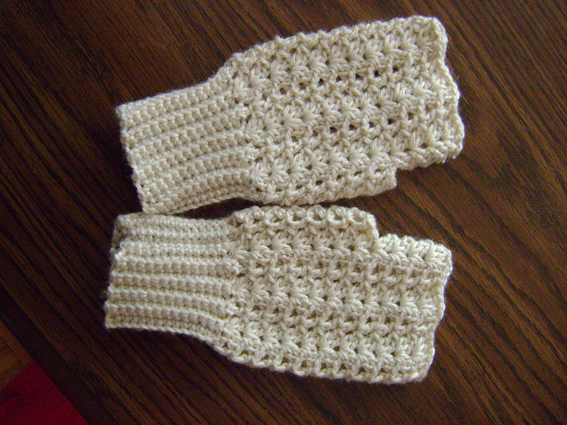 17 Fingerless Gloves Crochet Patterns