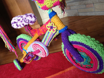 Unique 30 Colorful Examples Of Yarn Bombing Mikey Crochet Of New 49 Images Mikey Crochet