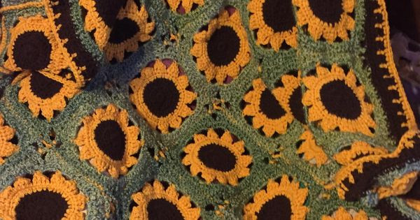 Unique Crochet Sassy Sunflower Afghan Idees Sunflower Afghan Of Delightful 32 Pics Sunflower Afghan