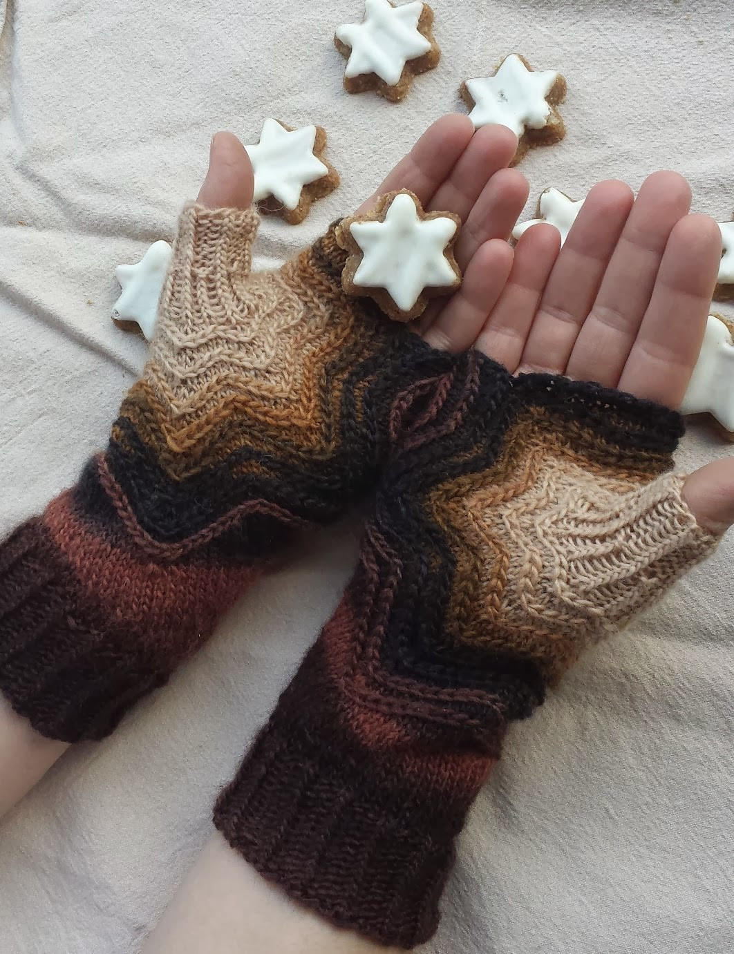 Fingerless Mitts and Gloves Knitting Patterns