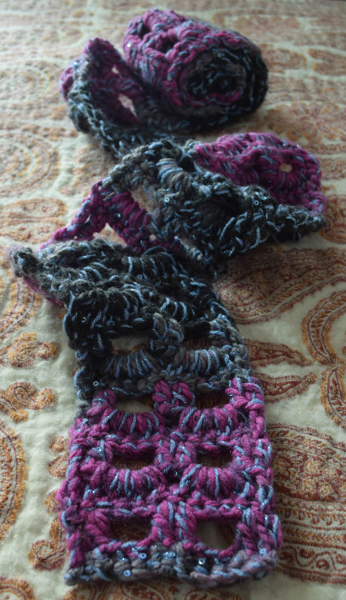 Free pattern Glittery Accent Scarf