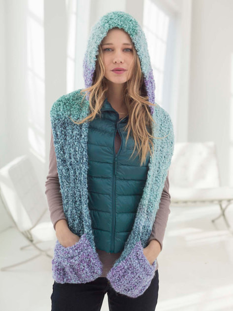 hooded scarf with pockets in lion brand homespun thick quick l