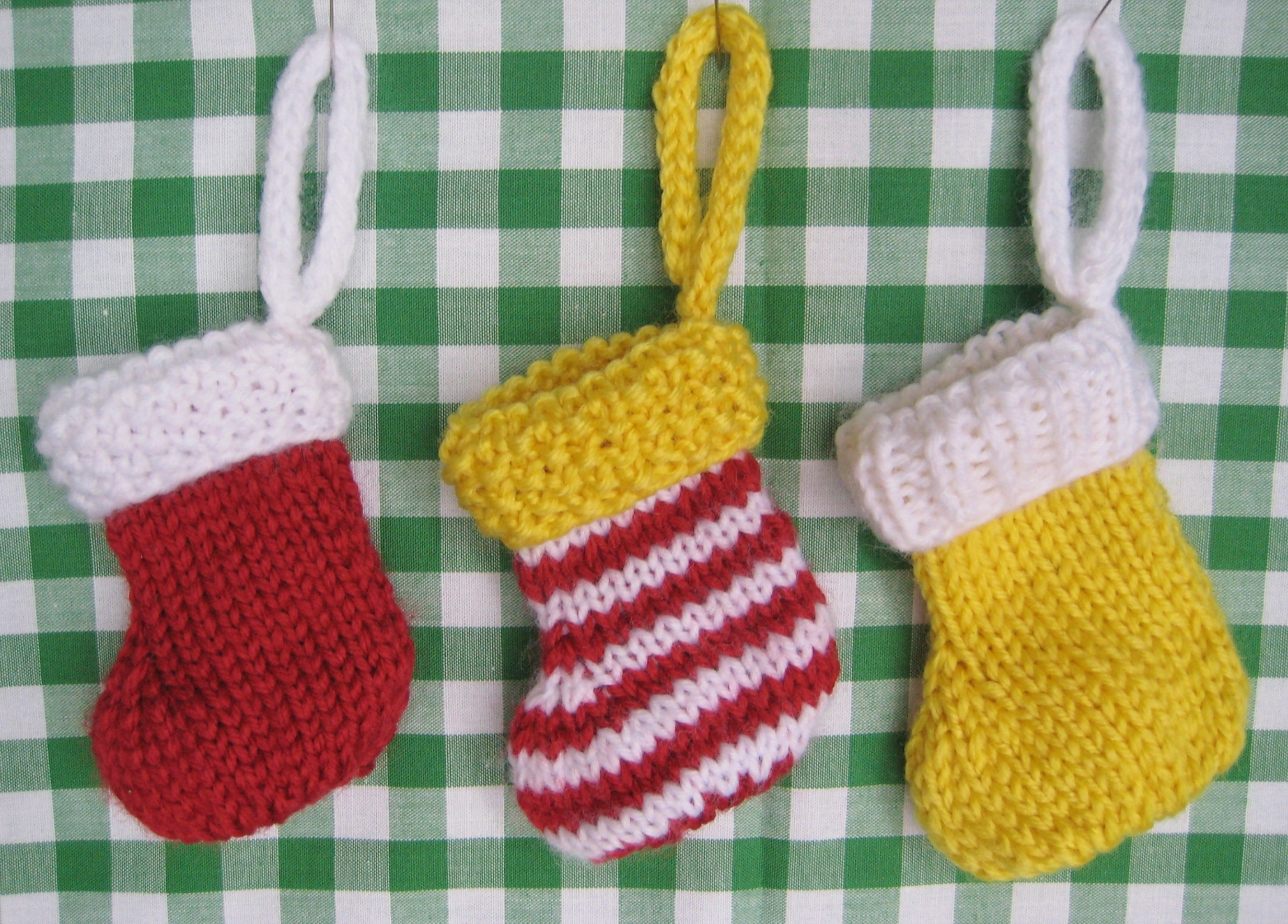 KNITTING PATTERN FOR CHRISTMAS STOCKING FREE PATTERNS
