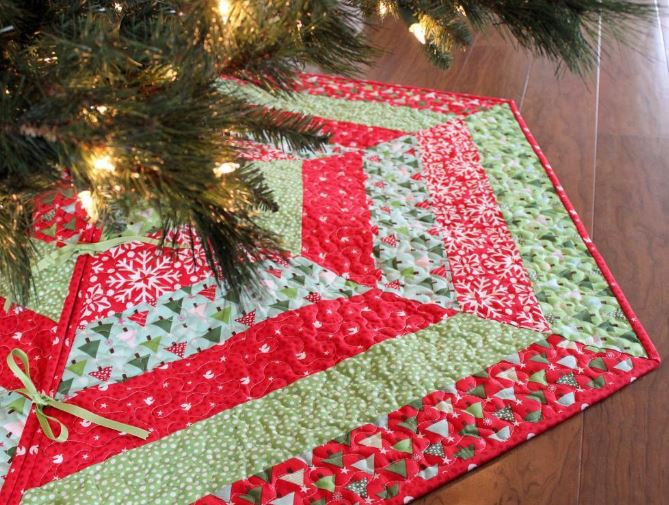 Unique Quilted Christmas Tree Skirt Patterns – Happy Holidays Free Tree Skirt Patterns Of Brilliant 44 Pics Free Tree Skirt Patterns