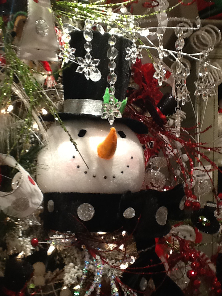 RAZ Snowman Tree Topper and Lighted Top Hat Holiday on Ice