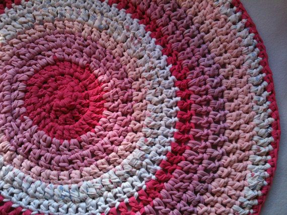 Unique Round Crochet Rug Made with Fabric Strips for Children and Crochet Rug with Fabric Strips Of Lovely Goat Feathers Crochet Rug and Purse Crochet Rug with Fabric Strips