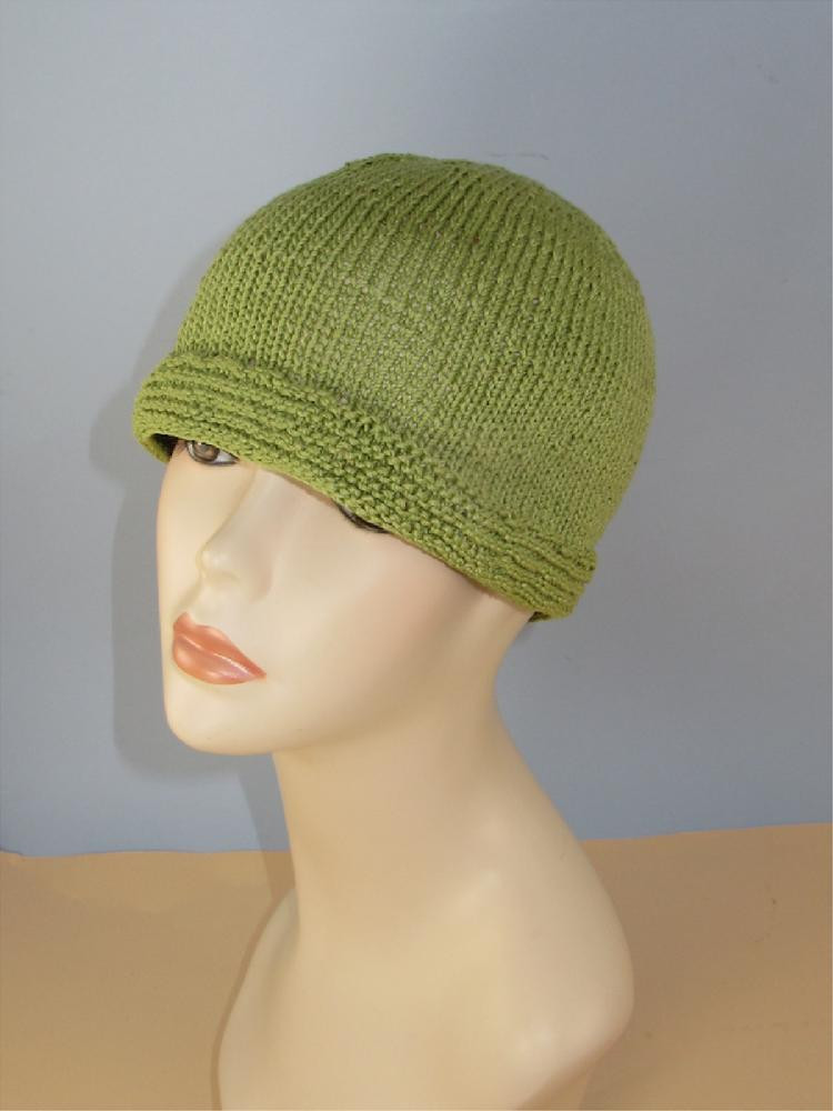 Simple Cloche Hat Knitting pattern by madmonkeyknits