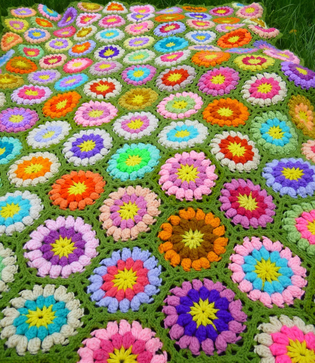 vintage afghan crocheted throw circle