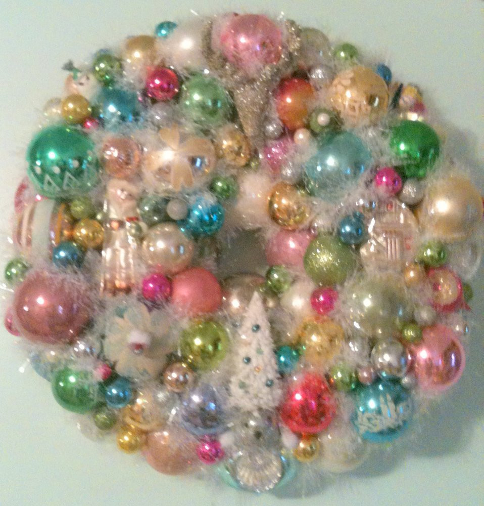Vintage Christmas ornaments Elegant Shabby Chic Vintage ornament Wreath with Christmas Bulbs Of Lovely 43 Images Vintage Christmas ornaments